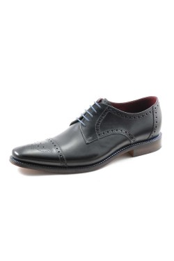 LOAKE FOLEY Shoes in BLACK
